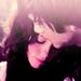 « Tu sais ce qu'il y a de plus douloureux dans un chagrin d'amour ? C'est de ne pas pouvoir se rapeller ce que l'on ressentait avant.. Essaie de garder cette sensation parce que si tu la laisses s'en aller, tu la perds à jamais. »