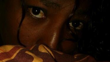 """""""Tristesse dans des yeux qui ne peuvent pleurer"""" (cf Face à la mer on veut tous grandir, Calo, Passi, trop jeunes pour mourir.)"""