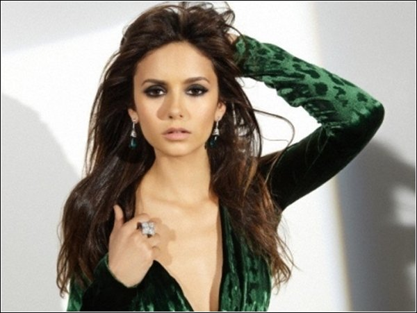 Découvre de nouvelle photos du photoshoot de Nina pour le Magazine Ocean Drive