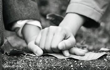 ☆aprenez à ecrir sur le sable et aussi sur la piére! ou bien lisez cet article vs allez tt comprendre..☆