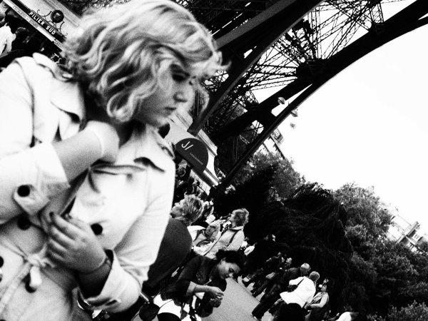 """""""La parisienne est une légende, donc, elle existe plus que les autres femmes et ce pour l'éternité"""""""