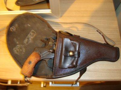Nagant revolver M/1895