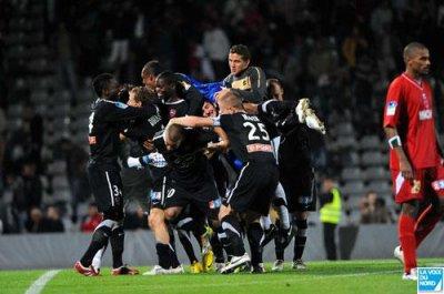 Nîmes-VAFC 1-1, 4-5 t.a.b.