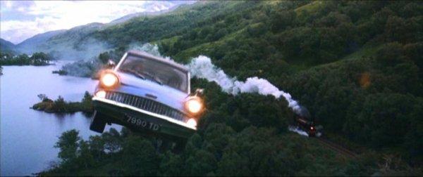 Ron et Harry prénne la voiture volante