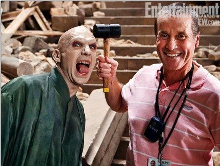 Ralph Fiennes et Chuck Finch - Harry Potter et les reliques de la mort - Partie 2 (2011)