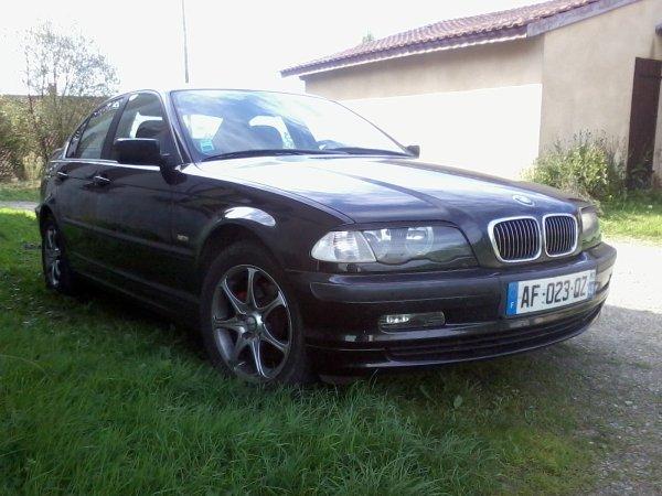 et voici ma nouvelle une BMW 320 i pack luxe