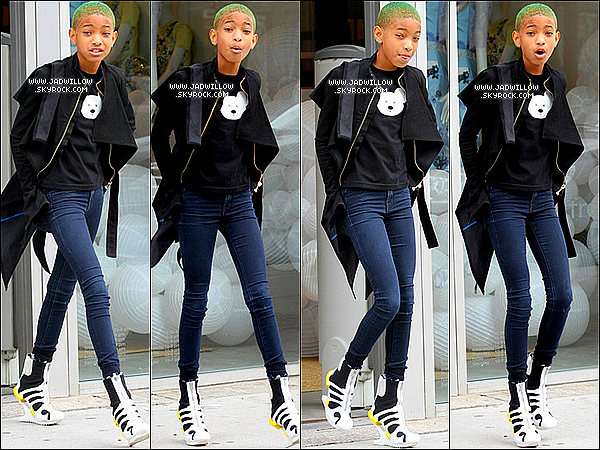 15.03.2012 : Willow Smith à été aperçue sortant d'un magasin de vêtement à NY.