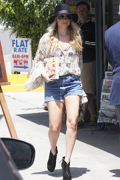 13 avril 2011 - Leaves the gym in Studio City in LA