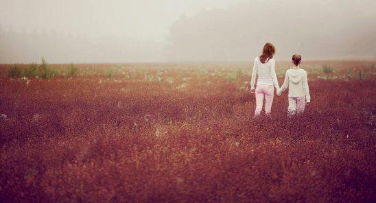 Des erreurs, tout le monde en commet. Mais parfois, on ne demande pas de pardonner, mais juste de faire confiance a l'autre. Tout simplement parce qu'on s'aime. L'amour est un jeu dangereux. Mais il vaut la peine d'en apprendre les règles.   _________________One-Kiss-Please