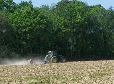 roulage des terre a mais  aven semis