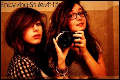 """""""L'amitié double les joies et réduit de moitié les peines."""""""