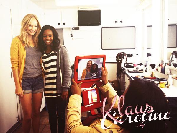 30/11/2012: Photos BTS de Candice sur le tournage de l'episode 7 en compagnie de la gymnaste Gabby Douglas  !