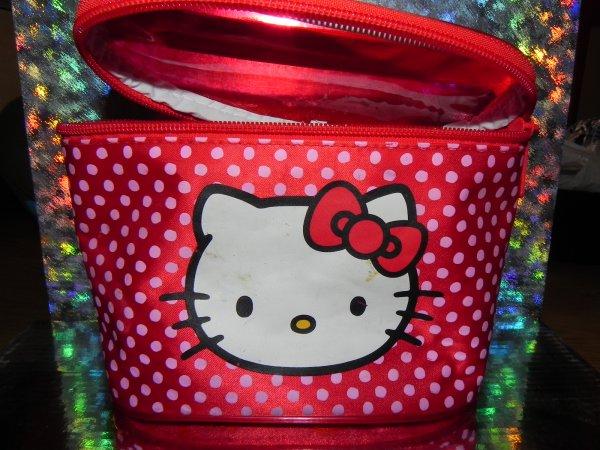Trousse maquillage Hello Kitty (Logo Sanrio)