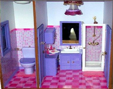 La salle de bain et les toilette de barbie . - La ville de barbie .
