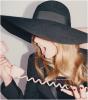 __  www.TaySwiftDAILY.skyrock.com ♪ Ta source d'actualités sur la talentueuse Taylor Swift __ Brève biographie ;  Taylor Swift, née le 13 Décembre 1989 en Pennsylvanie, est une chanteuse, auteur-interprète et musicienne américaine. Elle a déjà réalisé quatre albums, Taylor Swift (2006), Fearless (2008), Speak Now (2010) et Red (2012).