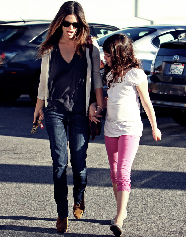 12 Décembre 2010 - Rachel And Her Sister In Los Angeles