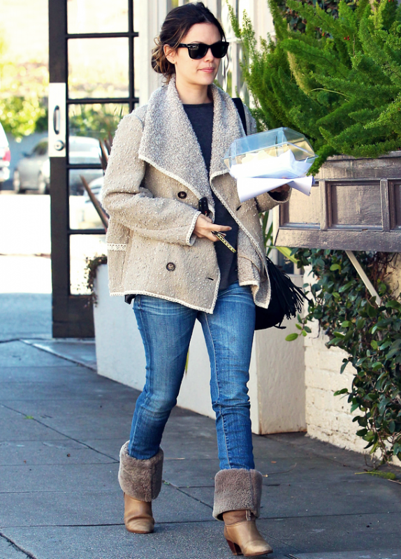 14 Janvier 2011 -  Out And About Shopping In Los Angeles