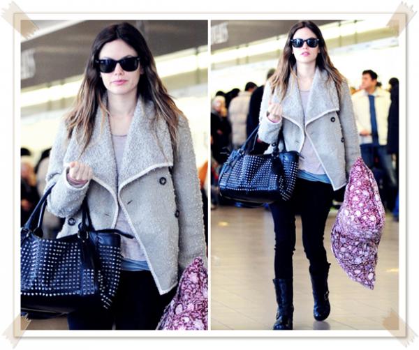 22 Mars 2011 - Rachel à l'aéroport de Los Angeles