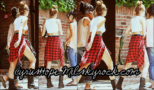 *20/06/2012 : Miley rentrant chez elle à Toluca Lake.  *