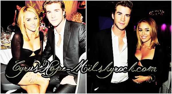 * 27/06/12 :  Miley a soutenu son fiancé Liam lors de l'évènement Australians In Film Awards & Benefit Dinner qui a eu lieu à Los Angeles.    J'aime beaucoup la tenue de Miley. Elle est ravissante au coté de Liam. Ton Avis ? :)  *