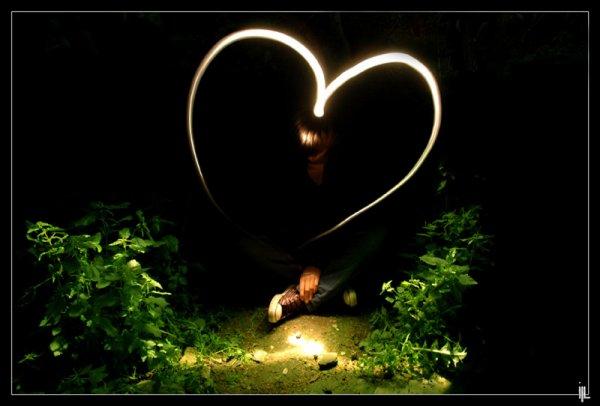 .Un baiser c'est pas grand chose mais c'est tout un poéme quand il vient de la personne qu'on aime