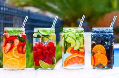 Prendre un verre d'eau avant chaque repas :)