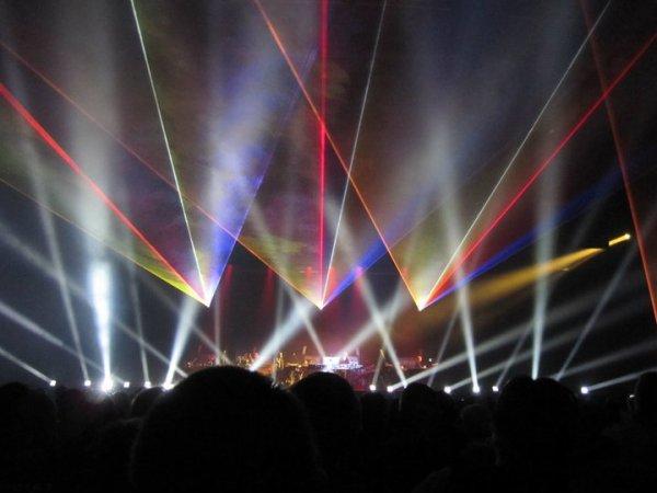 """jean michel jarre -""""2010"""" concert de Tours"""