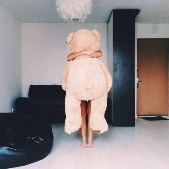 J'aimerais avoir une peluche comme celle-ci, et comme ça quand je serais triste, je la serrerais très fort en pensant que c'est toi !
