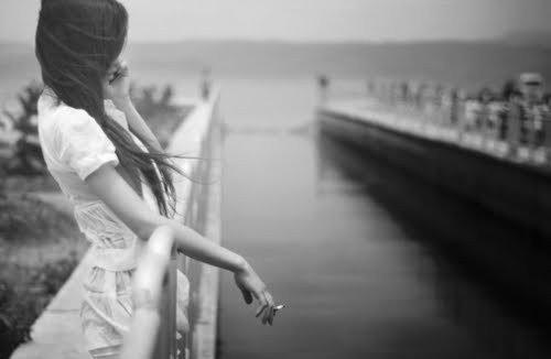 J'aimerais être l'ombre de ton coeur, pour le réparer quand tu pleures.