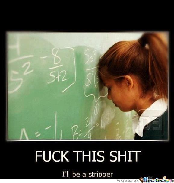 Ce moment où en classe le prof passe à côté de toi et que tu caches tes reponses pour pas qu'il voit à quel point t'es stupide.
