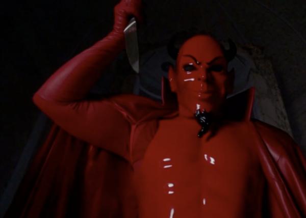 """Pourquoi se sent-on en sécurité sous notre couverture? Genre le tueur va se dire """"Je vais le tu... Ah merde! Il est sous sa couverture!"""""""