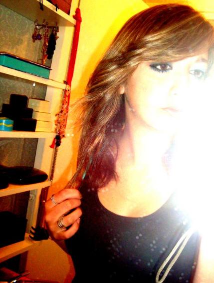 Le bonheure est sous nos yeux, on y passe devant et quand on s'arete on aime a n'en plus finir