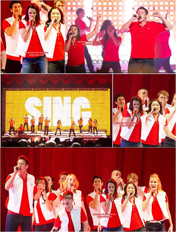 .   08/06/2011 : Le cast était en concert à Philadelphie.   .