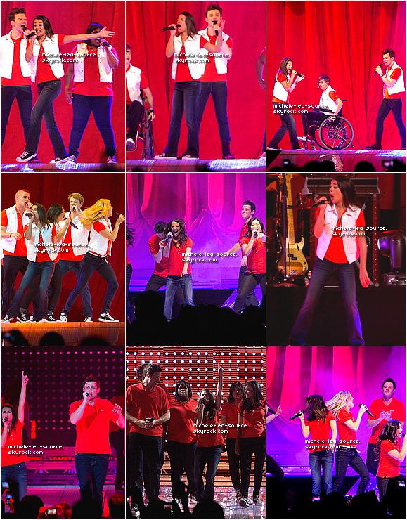 .  13/06/2011 : Lea et le reste du Glee Cast étaient en concert à Auburn Hills.    .