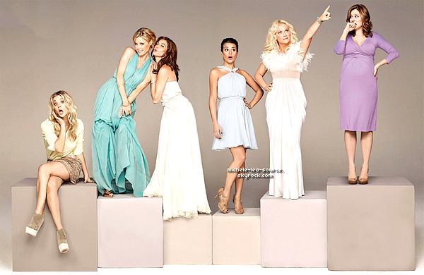 """.  Voici des outtakes d'un photoshoot que Lea a fait le 23 Mai 2011 pour le magazine """"The Hollywood Reporter"""" qui sort le 24 Juin, On la voit en compagnie d'actrices de séries comiques. Personnellement je la trouve splendide !    ."""