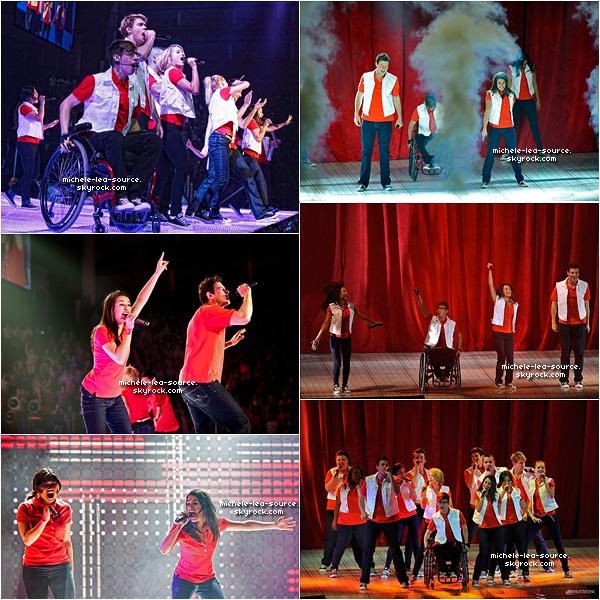 .  25/06/2011 : Lea et le Glee Cast était en concert à Londres.    .