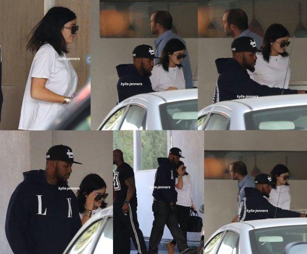 le 9 janvier 2015 - la belle kylie a était veut quittan le projet Nightclub avec Tyga à Hollywood