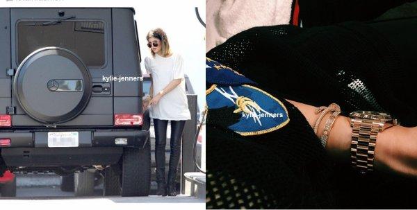 le 1 mars 2015 - Kylie dehors et environ à Los Angeles, CA