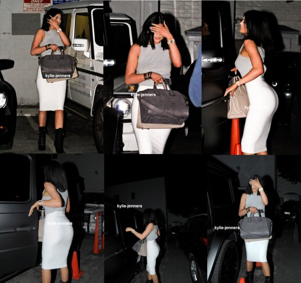 le 6 mars 2015 -  Kylie arrivant au bar à ongles et Beauty Lounge à Beverly Hills