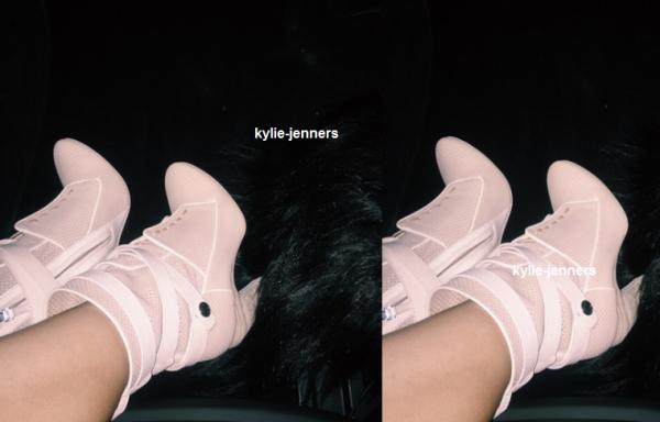 le 31 mars 2015 - la belle kylie dehors et environ à Los Angeles, CA