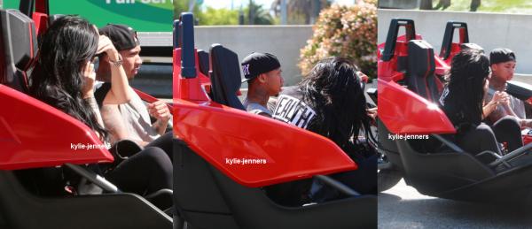 le 2 avril 2015 - Kylie avec Tyga à Calabasas.