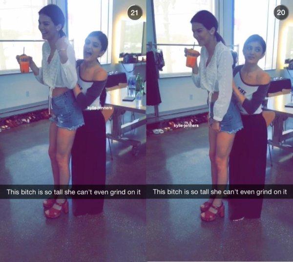 Captures d'écran de Kylie, Jordyn, Rob et Kendall dans l'histoire de Snapchat de Kylie.