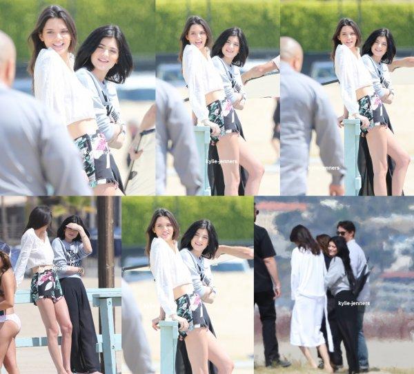 le 7 avril 2015 - Kylieet kendall sur le plateau d'un photoshoot à Malibu