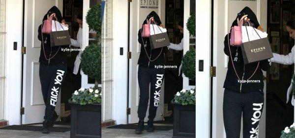 le 8 avril 2015 - Kylie laissant Epione Cosmetic Dermatology à Beverly Hills