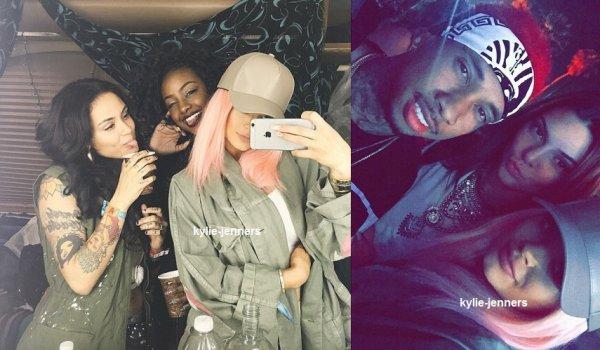 le 17 avril 2015 -  Kylie en pression du tchat de Justine.