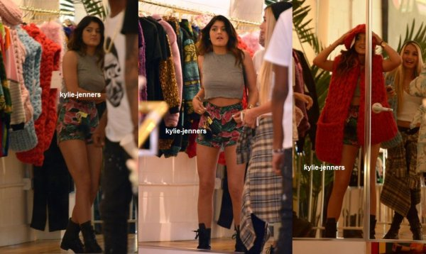 flash-back - le11 octobre 2013 - kylie à était veut faire du Shopping avec Pia Mia à Los Angeles