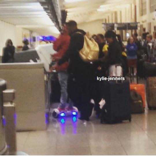le 23 mai 2015 - Kylie et Tyga à l'aéroport international Hartsfield-Jackson à Atlanta.