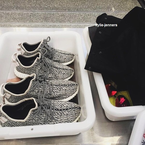 le 22 juin 2015 - Kylie arrivant à LAX