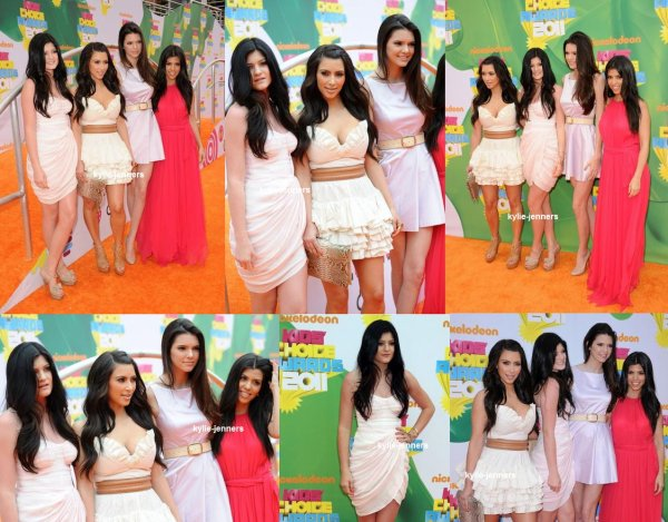 le 2 avril 2011 - kylie et ses soeur au Kids Choice Awards