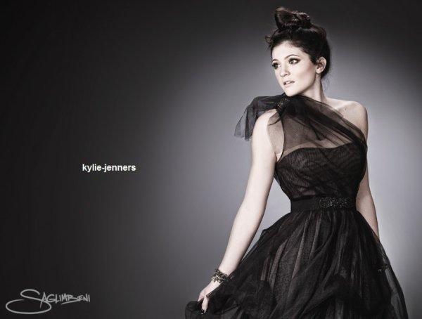 voici un photoshoot de kylie pour inconnue en 2010